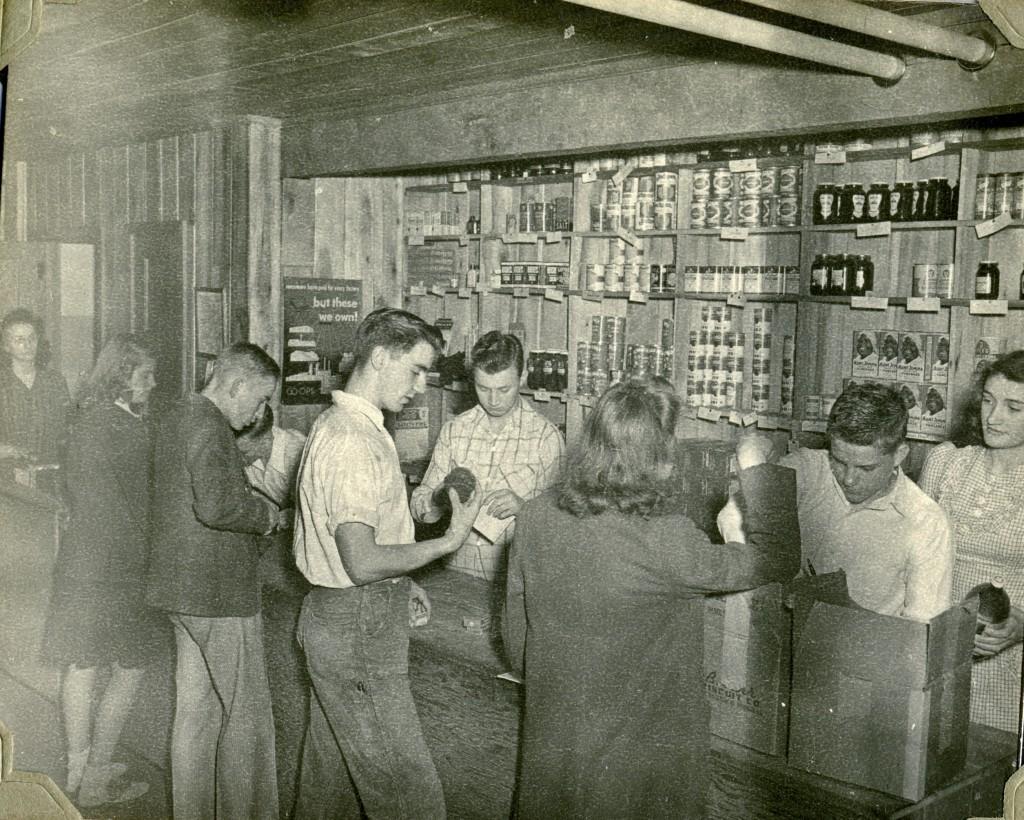 Co-op Store 1946 Oma Jackson, Margaret Bleir, Don Freeman; Owen Lewis, Roy Crase, ____, Harold Cox, Ida Mae Lewis