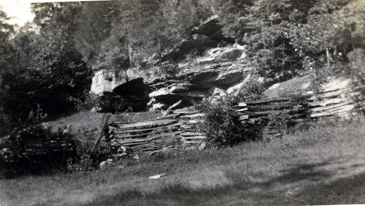 INDIAN CLIFF DWELLING - PINE MOUNTAIN SETTLEMENT SCHOOL COLLECTIONS