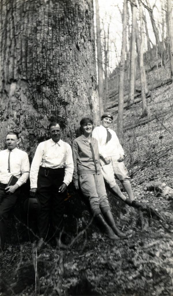 JAMES COLUMBUS AND EMILY HILL CREECH Photograph Sets Identification List