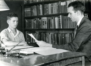 Malcolm Arny, Counselor meeting with student in 1941. [X_100_workers_2581_mod.jpg]