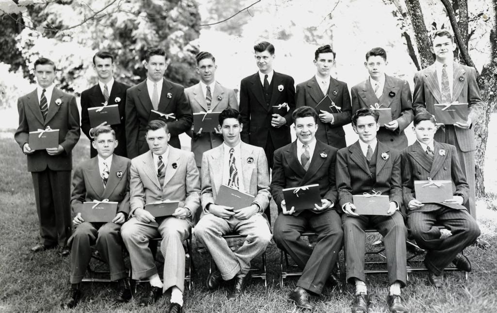 Seniors, [boys] 1947. [nace_1_056a.jpg]