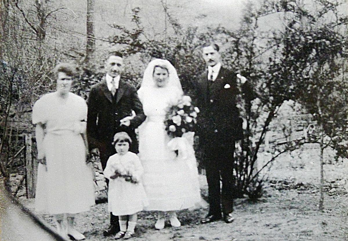 Deschamps wedding at Viper, Kentucky